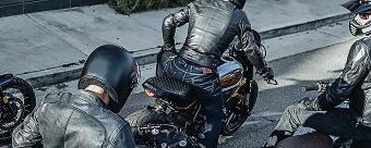 Motorhelmen en motorhandschoenen